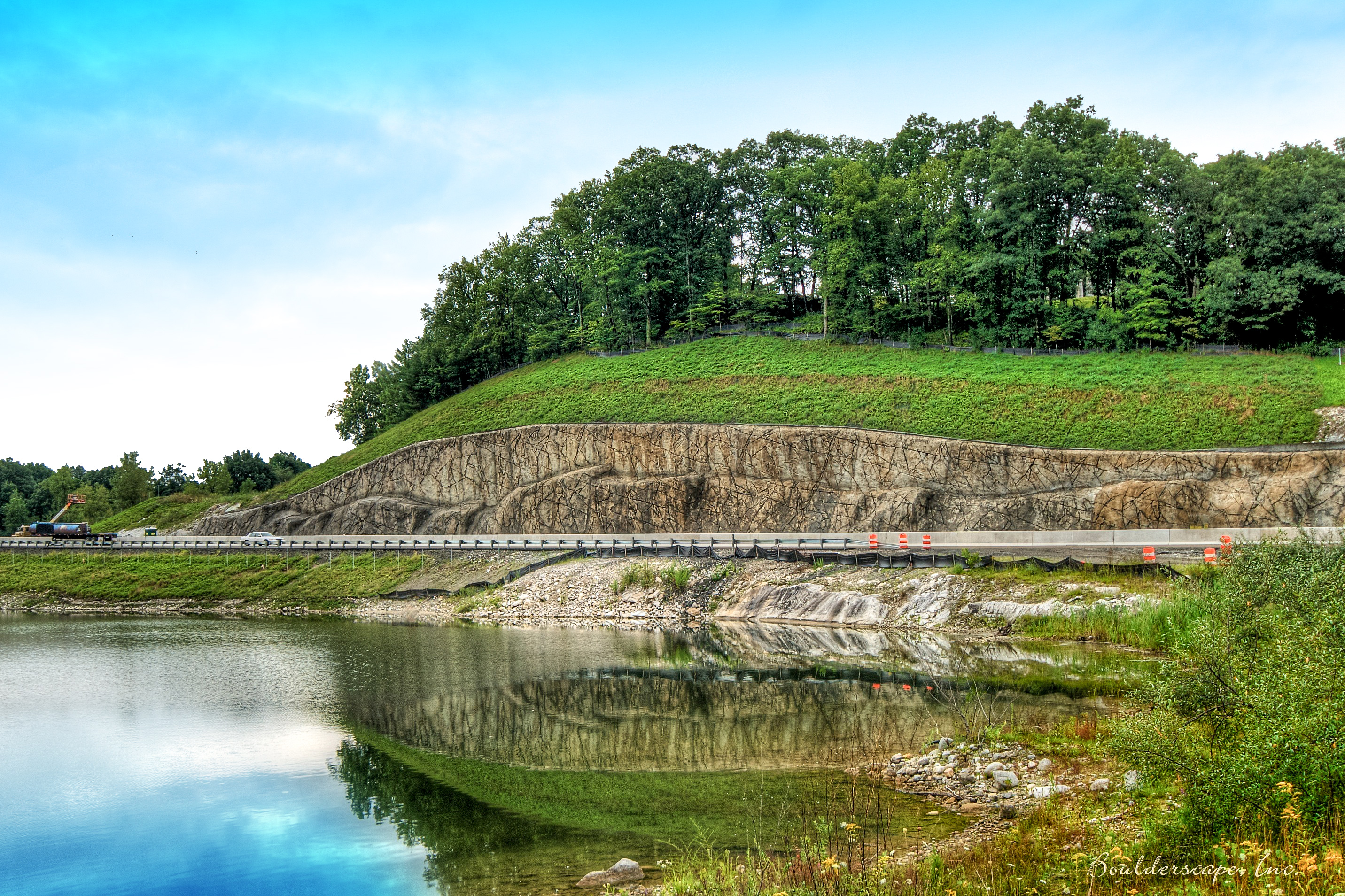 CT Department of Transportation Hires Boulderscape to Install 20,000+ Sqft Retaining Wall For Route 7